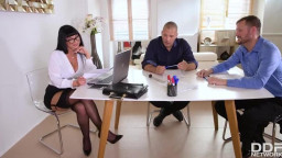 HandsOnHardcore Valentina Ricci Busty Boss Pounded By Colleagues