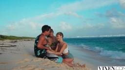 Vixen Addie Andrews And Cayenne Klein - Sharing