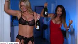 Myfriendshotmom Mckenzie Lee And Rachael Cavalli - McKenzie Lee and Rachael Cavalli shows Naughty America a Happy New Ye