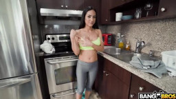 Mydirtymaid Tia Cyrus - Tia Cyrus Does A Deep Cleaning