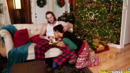MomsBangTeens - Naomi Woods, Starri Knight - Christmas Surprise